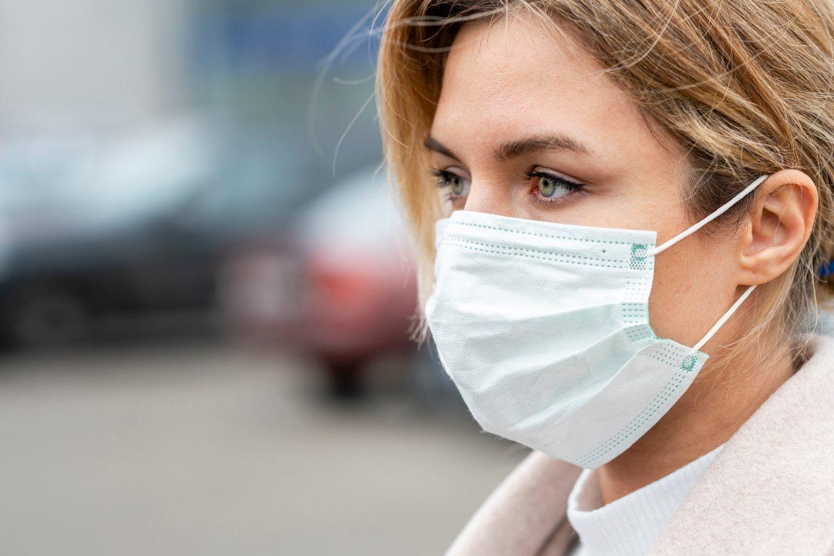 Prevenir daños en la piel por el uso de mascarilla